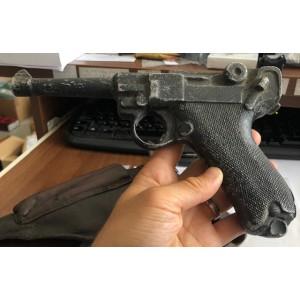 Rabljena dekorativna pištola Luger P08 + usnjeni etui (šifra slogun: 88)