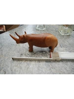PRIHAJA!!! Leseni nosorog (dolžina cca 21 cm) ročno delo