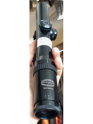 Schmidt & Bender rabljeni širokokotni strelni daljnogled 1/4-4x20 + Weaver-picantinny montaža (vrhunska svetla slika)