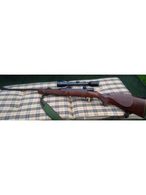 Mauser rabljena repetirna risanica, model: 2000, kal.7x64 + strelni daljnogled Wetzlar 6x44