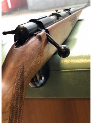 Anschutz rabljena repetirna risanica, model: 1532, kal. 222 Rem. + strelni daljnogled Kettner 2,5-10x48 (REZERVIRANO N.P.)