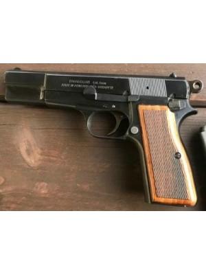 Feg rabljena pištola, kal. 9mm para (2 nabojnika) (005718)