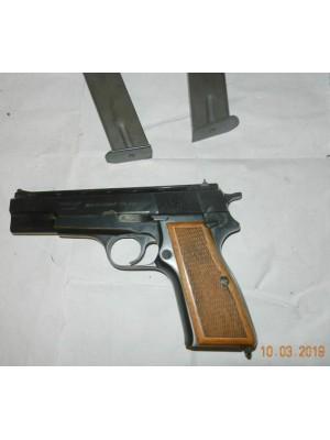 FEG rabljena polavtomatska pištola, kal. 9mm para + 2 nabojnika (005715)