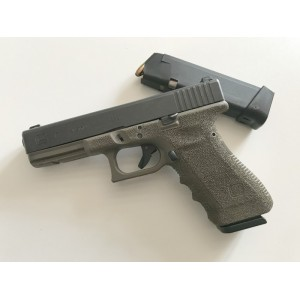 PRIHAJA!!! Glock rabljena polavtomatska pištola, model: 17 gen.3, kal. 9x19 (night sights-nočni merki in 2 nabojnika)