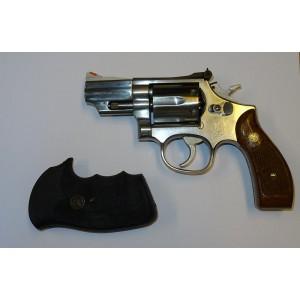 """PRIHAJA!!! Smith & Wesson rabljeni revolver, model: 66-2, kal. 357 Mag. + etui + dodatni ročaji (2"""" cev)"""