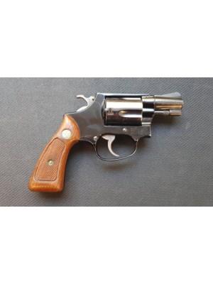 """PRIHAJA!!! Smith & Wesson rabljeni revolver, model: 37 Airweight, kal. 38 Special (2"""" cev)"""