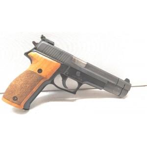 PRIHAJA TOP PONUDBA!!! Sig Sauer rabljena polavtomatska pištola, model: P226, kal. 9x19 (šifra slogun: 62)