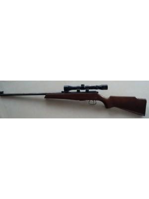 Krico rabljena malokalibrska repetirna puška, kal. 22LR + strelni daljnogled Tasco 4x32