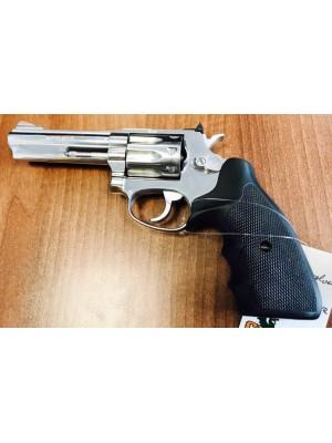"""Taurus rabljeni malokalibrski revolver, kal. 22 Mag. s 4"""" cevjo"""