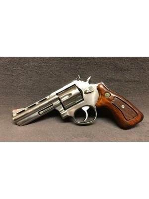 "Taurus rabljeni STAINLESS revolver, model: 689 VR, kal. 357 Mag. s 4"" cevjo"
