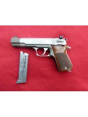 """Erma rabljena polavtomatska malokalibrska pištola, model: EP422, kal.22LR s 5"""" cevjo"""