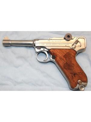 Erma rabljena plašilna pištola KGP 690 (rommel 08) z leseno darilno škatlo, kal.8mm Knall