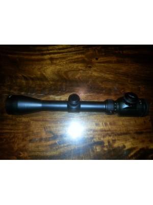 Tasco rabljeni variabilni strelni daljnogled 3-9x40 IR (z osvetljenim križem)