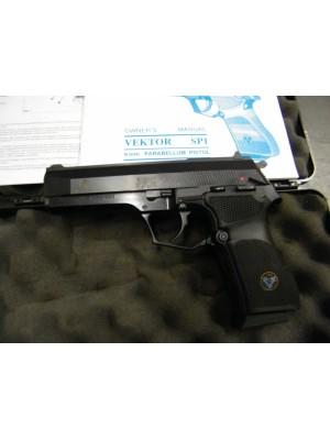 """Vektor rabljena polavtomatska pištola, model: SP1, kal.9mm luger s 5"""" cevjo"""