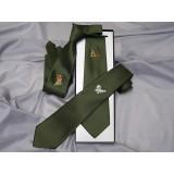 Gjergjek lovska kravata več različnih lovskih motivov