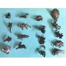 Značke z lovskim motivom iz mesinga