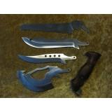 Lovski nož s štirimi dodatki (tri rezila in ena žaga) + etui iz črne kordure